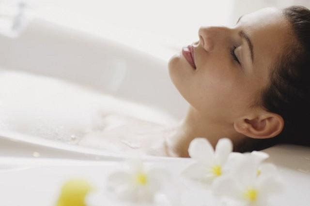 Tắm nước nóng trong bồn còn tốt hơn tập thể dục