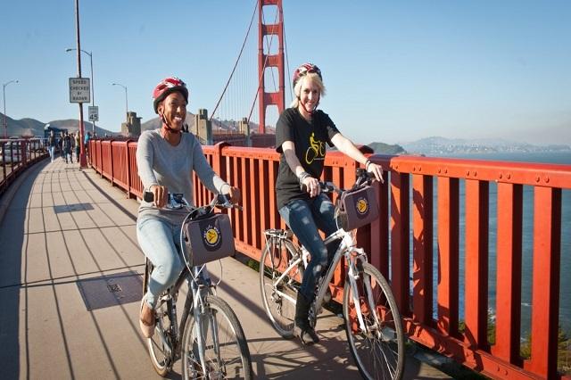 Đạp xe qua cầu Golden Gate là điều thú vị nhất khi đến San Francissco