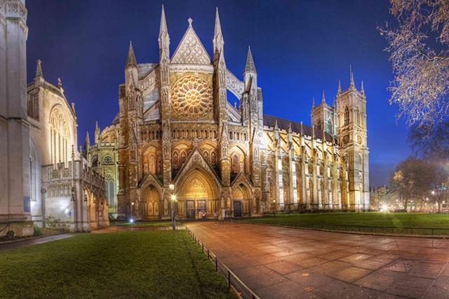 Nhà thờ thánh Stephan với lối kiến trúc Gothic tuyệt đẹp