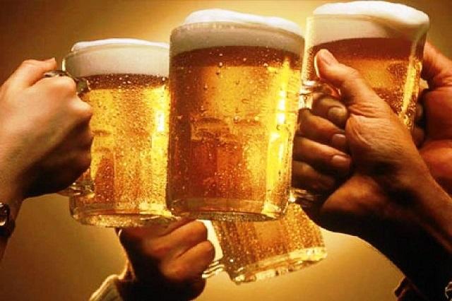 Uống bia rượu nhiều làm giảm chất lượng tinh trùng