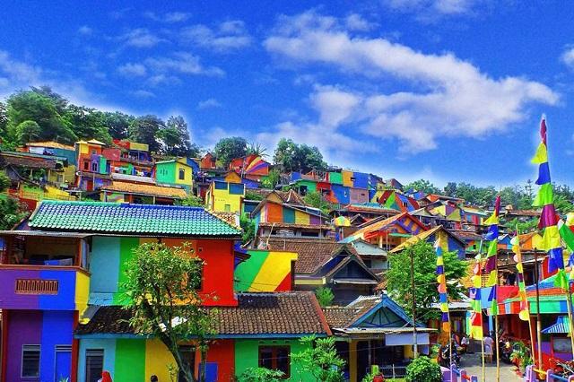 Ngôi làng cầu vồng điểm du lịch mới tại đất nước Indonesia