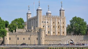 Khám phá tháp London nước Anh