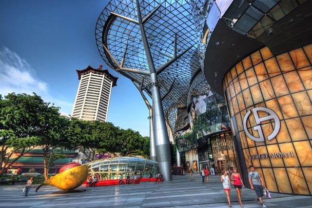 Orchard Road, nơi sở hữu nhiều trung tâm mua sắm sang trọng và hiện đại
