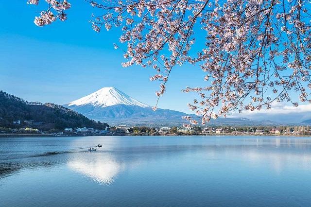 Núi Phú Sĩ biểu tượng nổi tiếng của xứ hoa anh đào