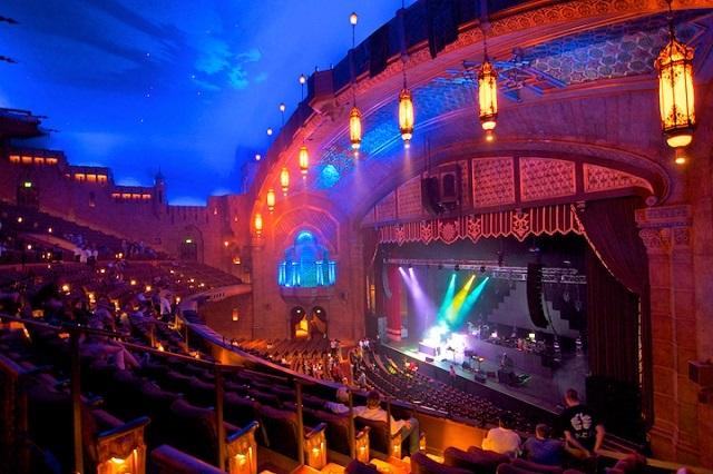 Nhà hát Fox ở địa chỉ 660 Peachtree St NE, Atlanta, GA 30308, Hoa Kỳ