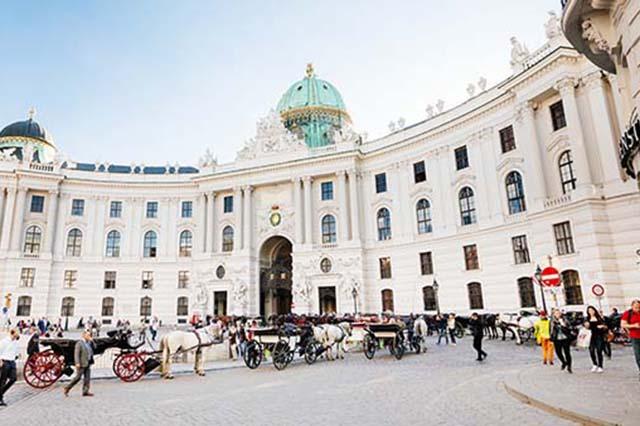 Vẻ đẹp của cung điện Hofburg