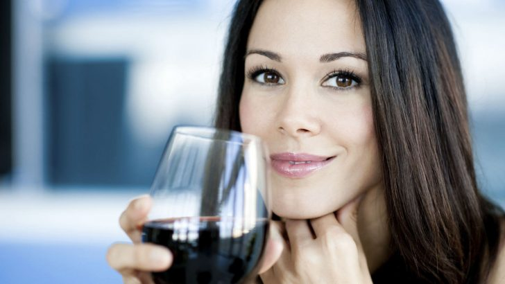 Cách uống rượu vang tốt cho sức khỏe của phụ nữ